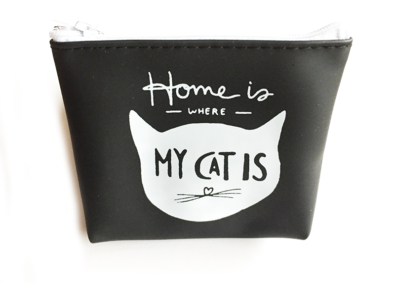 Neceser con mensaje: Home is where the cat is